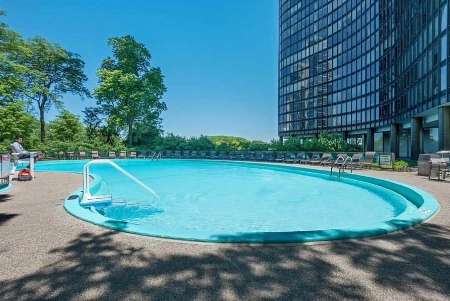 Real Estate Photography - 505 N. Lake Shore Drive, Unit 4802, Chicago, IL, 60611 - Outdoor Pool