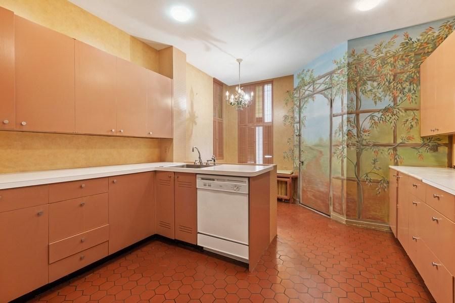 Real Estate Photography - 30 E. Scott St., Chicago, IL, 60610 - Kitchen