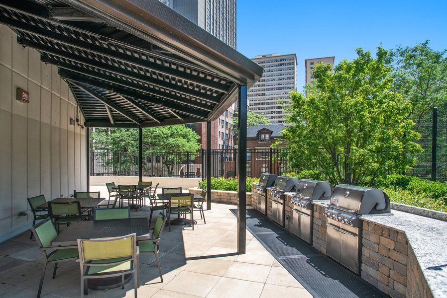 Real Estate Photography - 3930 N. Pine Grove, 2213, Chicago, IL, 60614 - Location 3