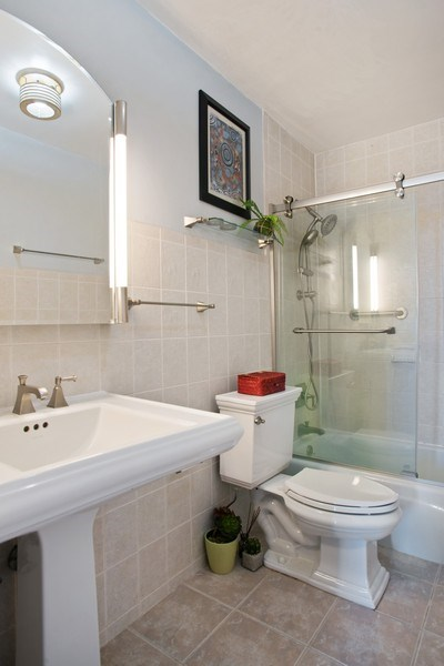 Real Estate Photography - 3930 N. Pine Grove, 2213, Chicago, IL, 60614 - Bathroom
