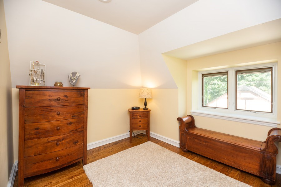 Real Estate Photography - 617 S Belmont Ave, Arlington Heights, IL, 60005 - Master Bedroom Closet