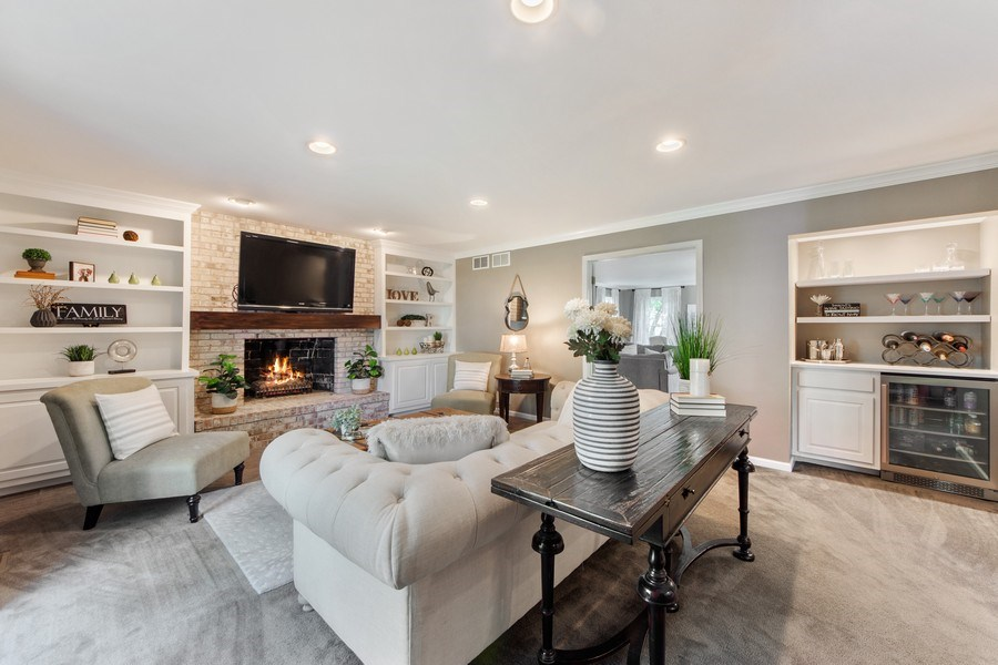 Real Estate Photography - 2162 N Charter Point, Arlington Heights, IL, 60004 - Family Room