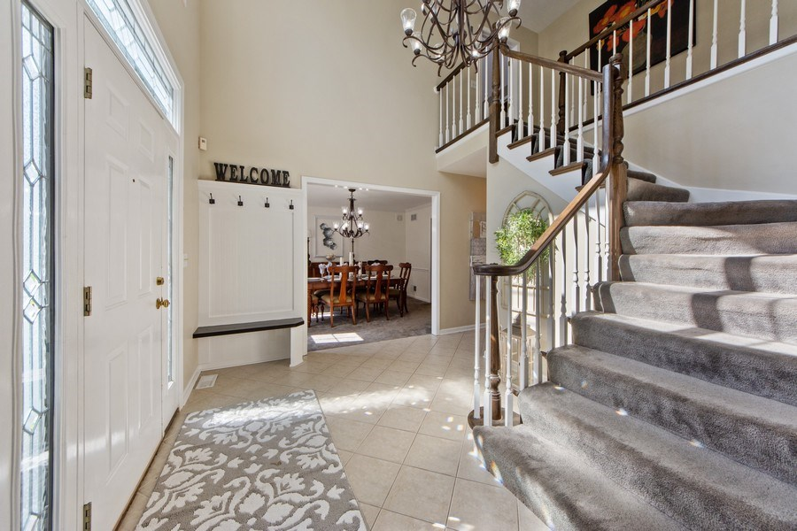 Real Estate Photography - 2162 N Charter Point, Arlington Heights, IL, 60004 - Foyer