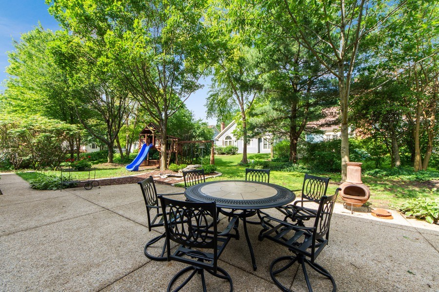 Real Estate Photography - 2162 N Charter Point, Arlington Heights, IL, 60004 - Patio