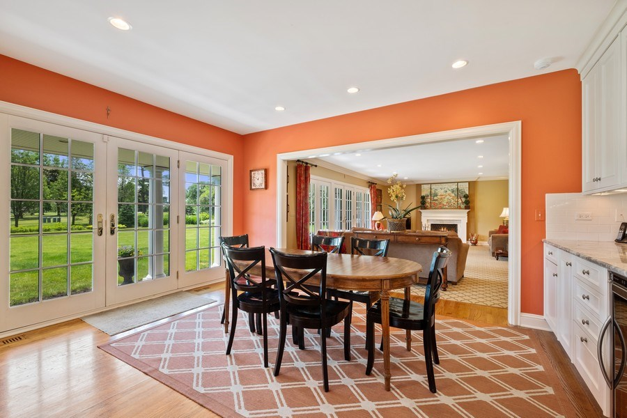 Real Estate Photography - 455 Landreth Ln, Northfield, IL, 60093 - Breakfast Area