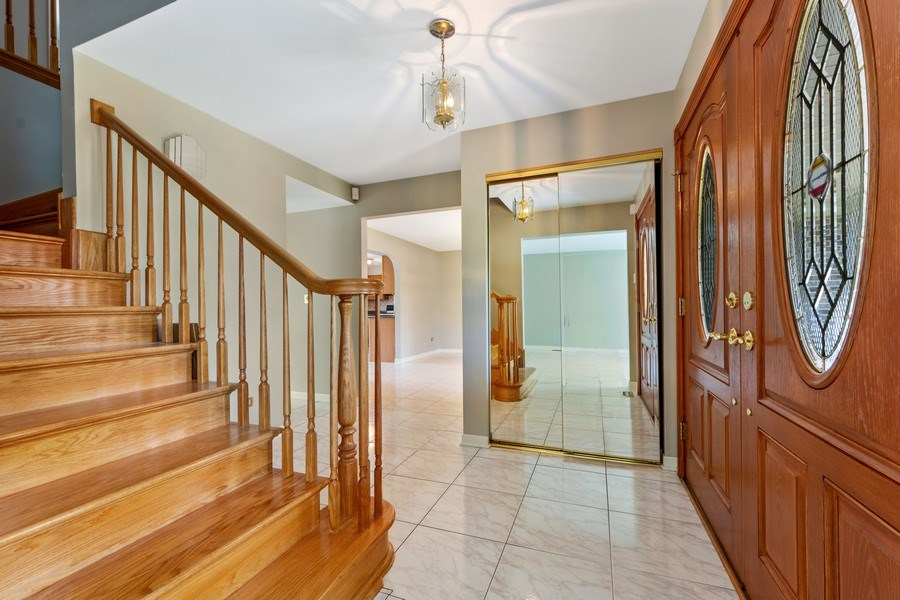 Real Estate Photography - 1908 Brighton Place, Arlington Heights, IL, 60004 - Foyer