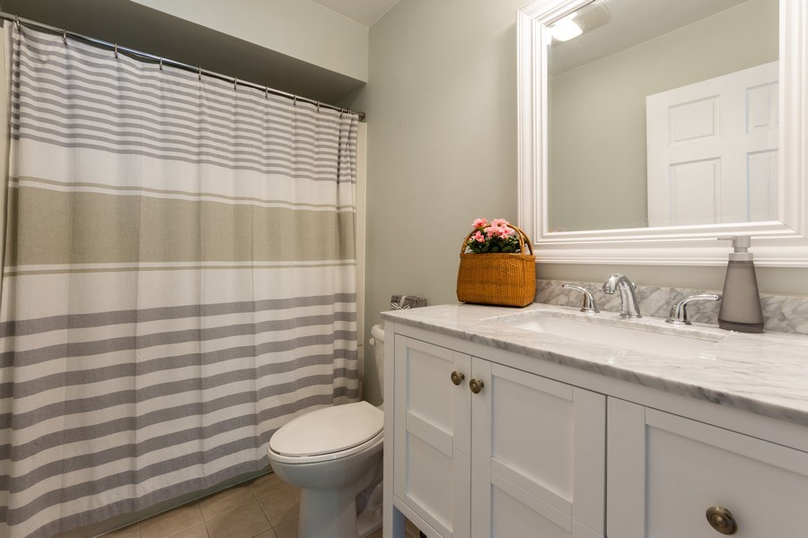 Real Estate Photography - 25 N Knight Ave, Park Ridge, IL, 60068 - Master Bathroom