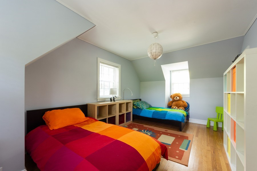 Real Estate Photography - 25 N Knight Ave, Park Ridge, IL, 60068 - 2nd Bedroom