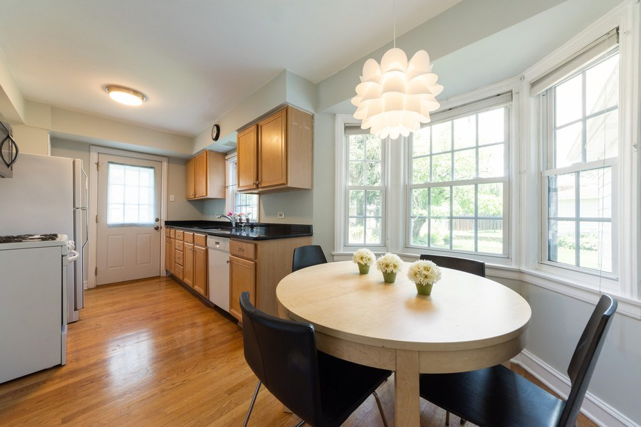 Real Estate Photography - 25 N Knight Ave, Park Ridge, IL, 60068 - Kitchen / Breakfast Room