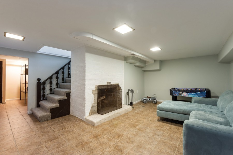 Real Estate Photography - 25 N Knight Ave, Park Ridge, IL, 60068 - Family Room