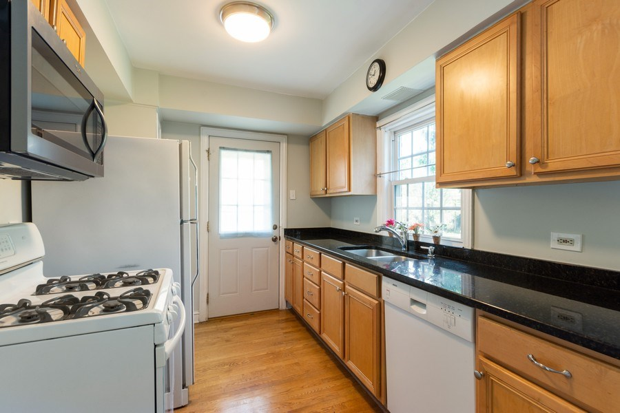 Real Estate Photography - 25 N Knight Ave, Park Ridge, IL, 60068 - Kitchen