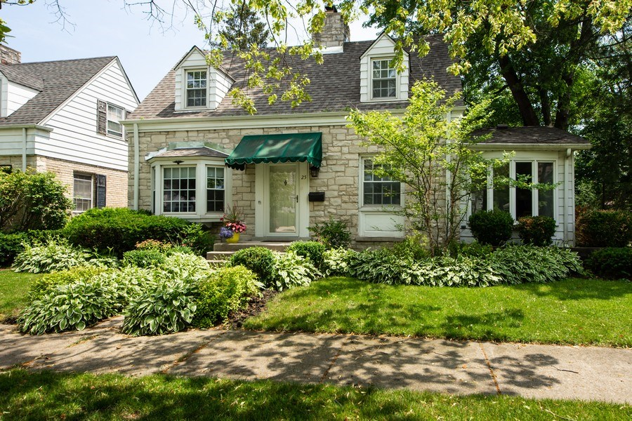 Real Estate Photography - 25 N Knight Ave, Park Ridge, IL, 60068 - Front View