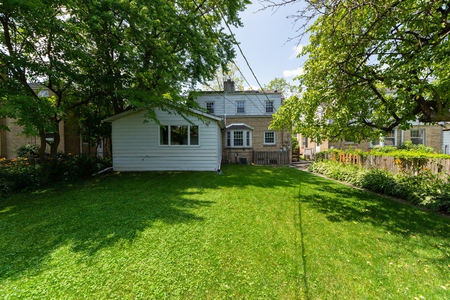 Real Estate Photography - 25 N Knight Ave, Park Ridge, IL, 60068 - Rear View