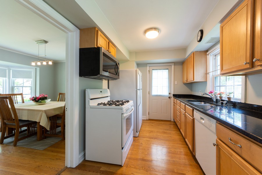 Real Estate Photography - 25 N Knight Ave, Park Ridge, IL, 60068 - Kitchen / Dining Room