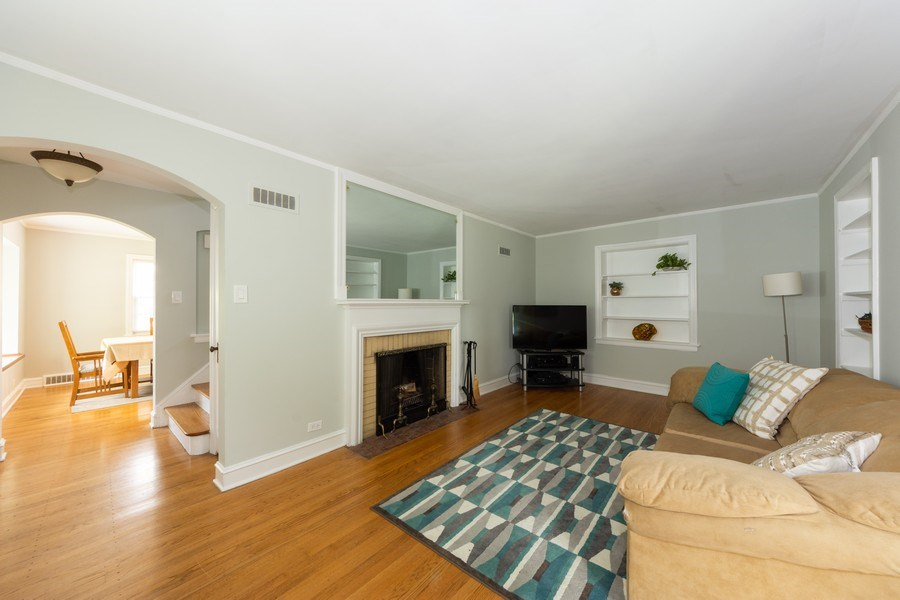 Real Estate Photography - 25 N Knight Ave, Park Ridge, IL, 60068 - Living Room/Dining Room