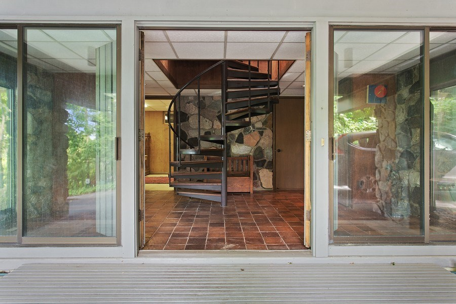 Real Estate Photography - 529 East Lake Front Drive, Beverly Shores, IN, 46301 - Entryway