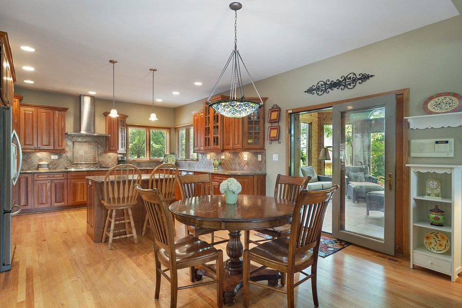 Real Estate Photography - 18 S Louis St, Mount Prospect, IL, 60056 - Kitchen / Breakfast Room