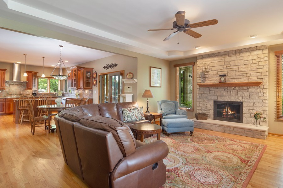Real Estate Photography - 18 S Louis St, Mount Prospect, IL, 60056 - Family Room / Kitchen