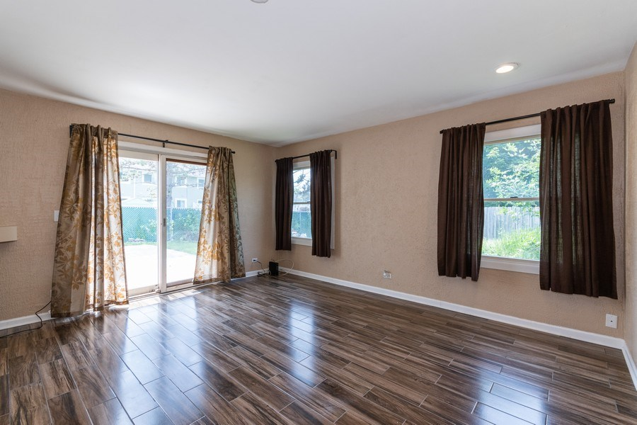 Real Estate Photography - 592 Harbor Terrace, Bartlett, IL, 60103 - Family Room