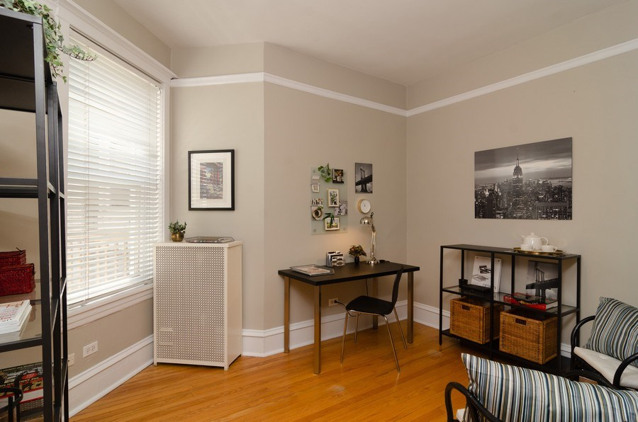 Real Estate Photography - 828 W LAKESIDE PLACE 3S, Chicago, IL, 60640 - 2nd Bedroom