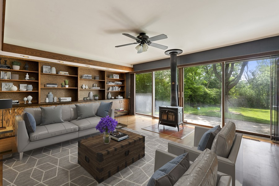 Real Estate Photography - 2830 W Bonnie Brook Ln, Waukegan, IL, 60087 - Family Room
