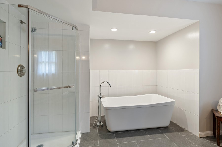 Real Estate Photography - 104 W Trail, Grayslake, IL, 60030 - Master Bathroom