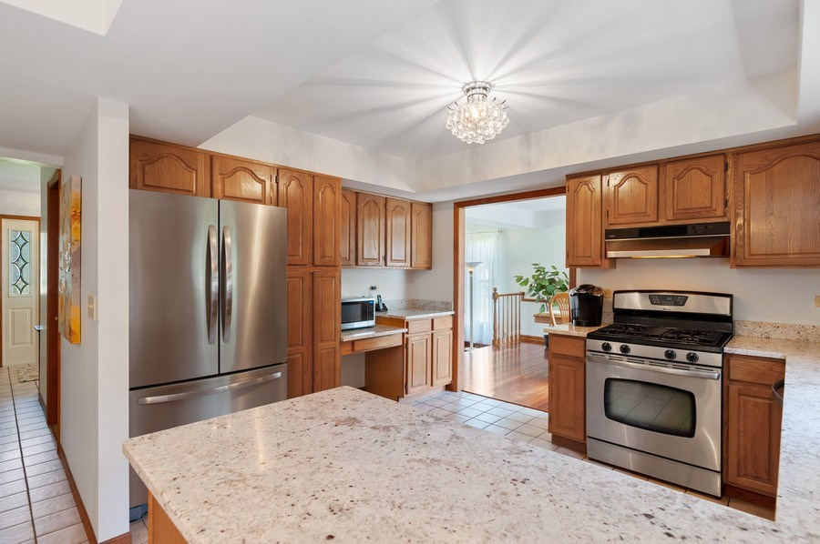 Real Estate Photography - 104 W Trail, Grayslake, IL, 60030 - Kitchen