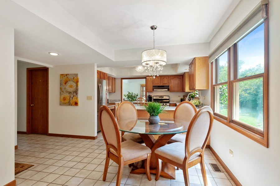 Real Estate Photography - 104 W Trail, Grayslake, IL, 60030 - Kitchen / Breakfast Room