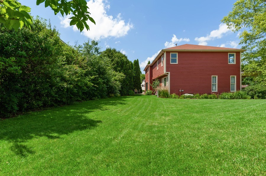 Real Estate Photography - 104 W Trail, Grayslake, IL, 60030 - Side View