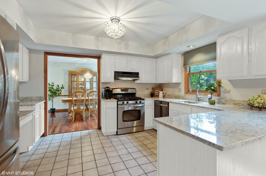 Real Estate Photography - 104 W Trail, Grayslake, IL, 60030 -