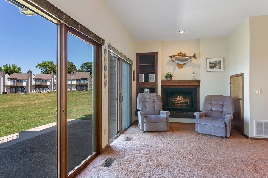Real Estate Photography - 101 North Shore Drive #30, South Haven, MI, 49090 - Living Room