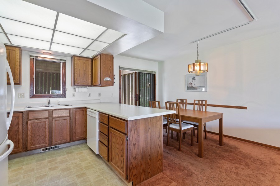 Real Estate Photography - 101 North Shore Drive #30, South Haven, MI, 49090 - Kitchen