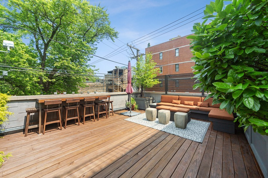 Real Estate Photography - 814 W. Buckingham Ave., Unit 1, Chicago, IL, 60654 - Roof Deck