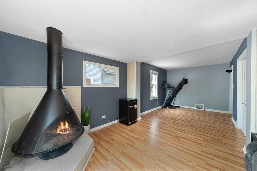 Real Estate Photography - 1761 locust, Des Plaines, IL, 60018 - Family Room