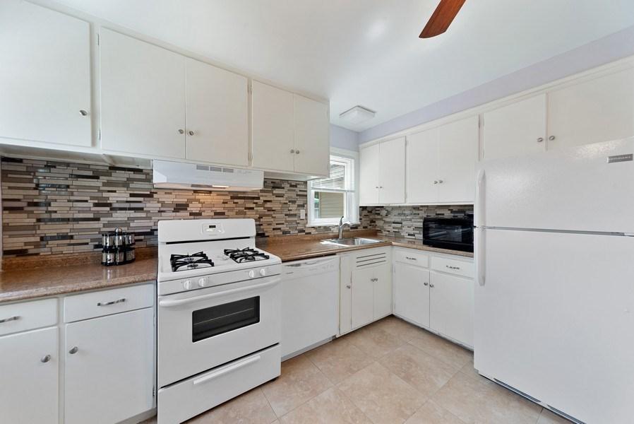 Real Estate Photography - 1761 locust, Des Plaines, IL, 60018 - Kitchen