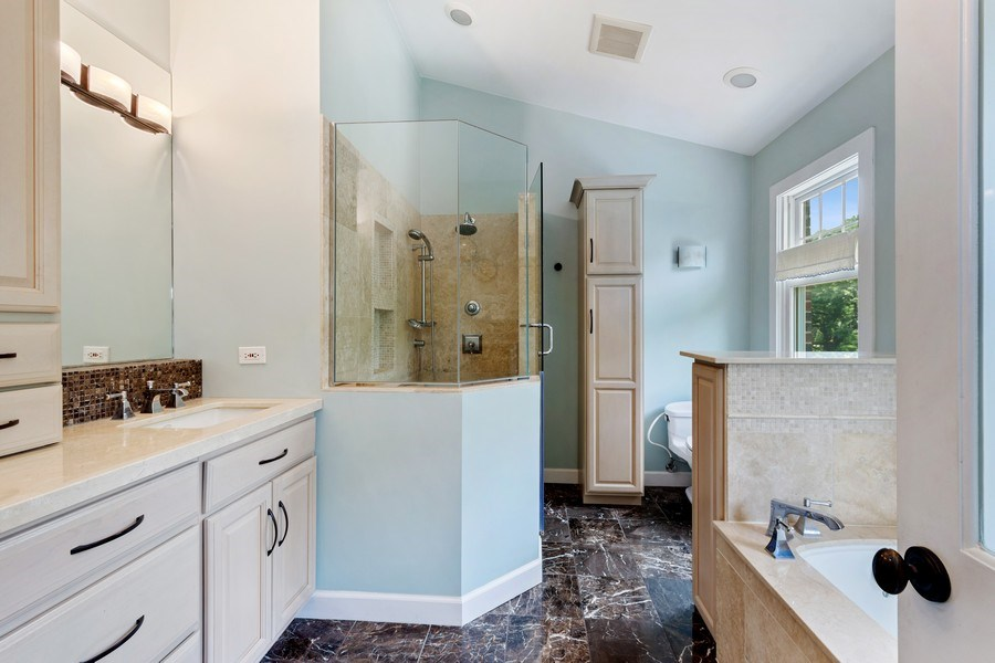 Real Estate Photography - 1340 Lake Shore Dr S, Barrington, IL, 60010 - Master Bathroom