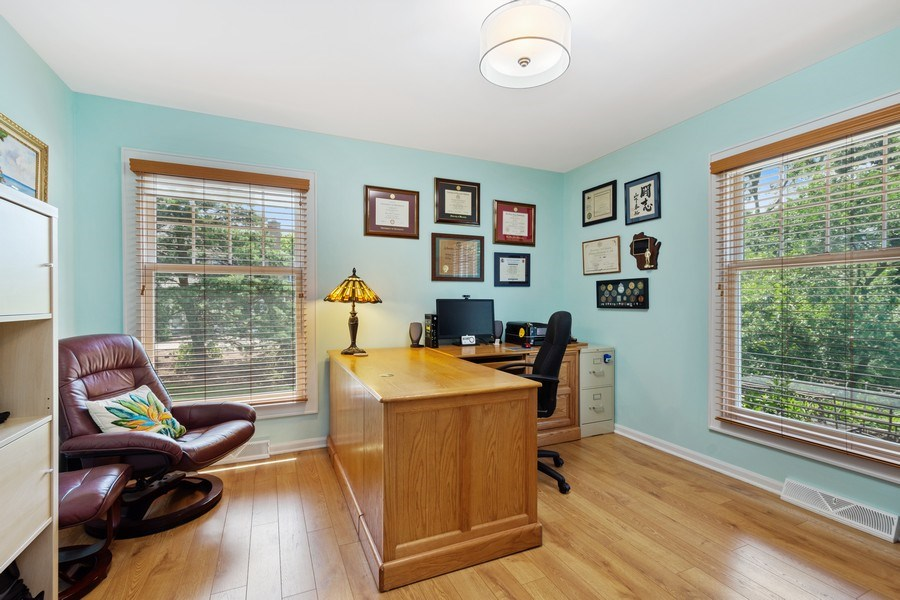 Real Estate Photography - 1340 Lake Shore Dr S, Barrington, IL, 60010 - Office