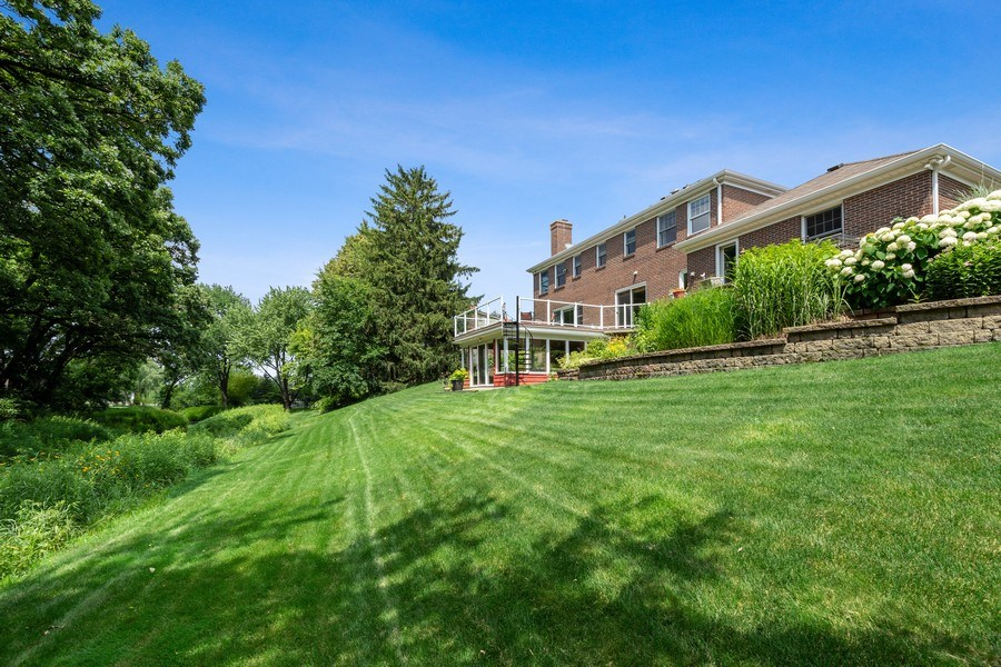 Real Estate Photography - 1340 Lake Shore Dr S, Barrington, IL, 60010 - Rear View