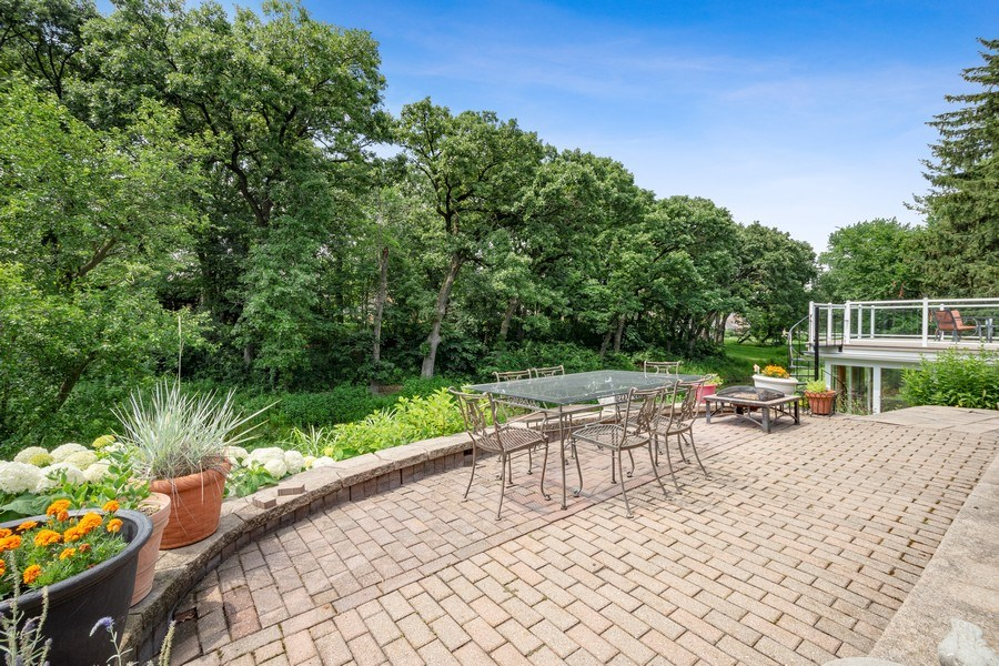 Real Estate Photography - 1340 Lake Shore Dr S, Barrington, IL, 60010 - Patio