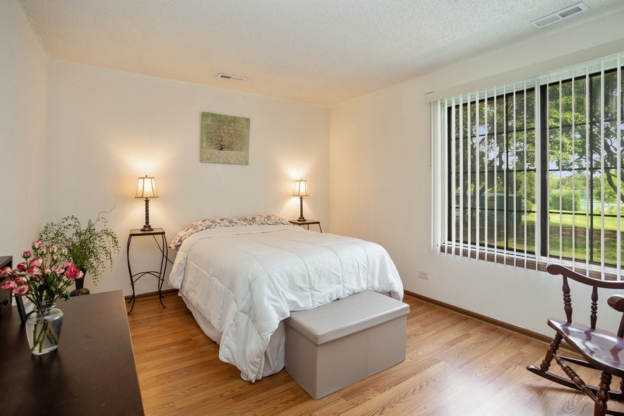 Real Estate Photography - 520 Biesterfield Rd, Unit 119, Elk Grove Village, IL, 60007 - Bedroom