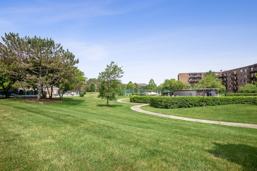 Real Estate Photography - 520 Biesterfield Rd, Unit 119, Elk Grove Village, IL, 60007 -
