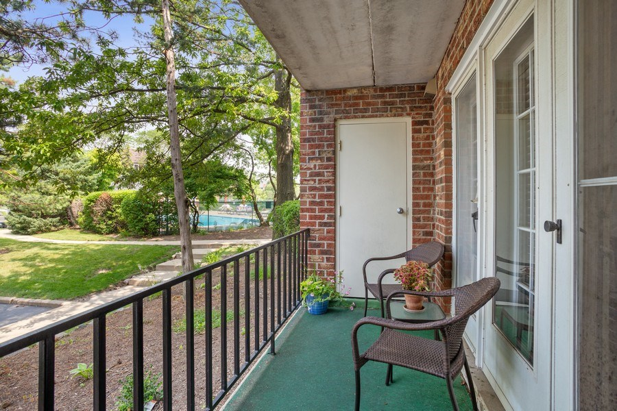 Real Estate Photography - 520 Biesterfield Rd, Unit 119, Elk Grove Village, IL, 60007 - Balcony