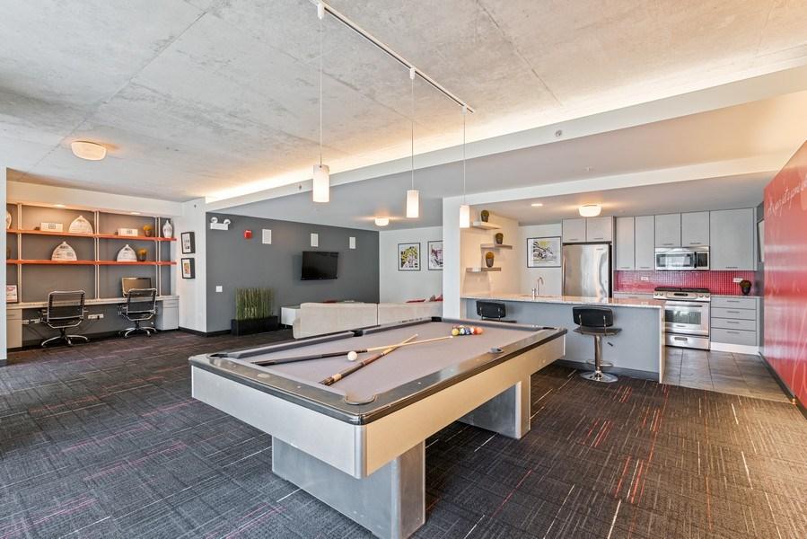 Real Estate Photography - 659 W Randolph, Unit 920, Chicago, IL, 60661 - Location 2