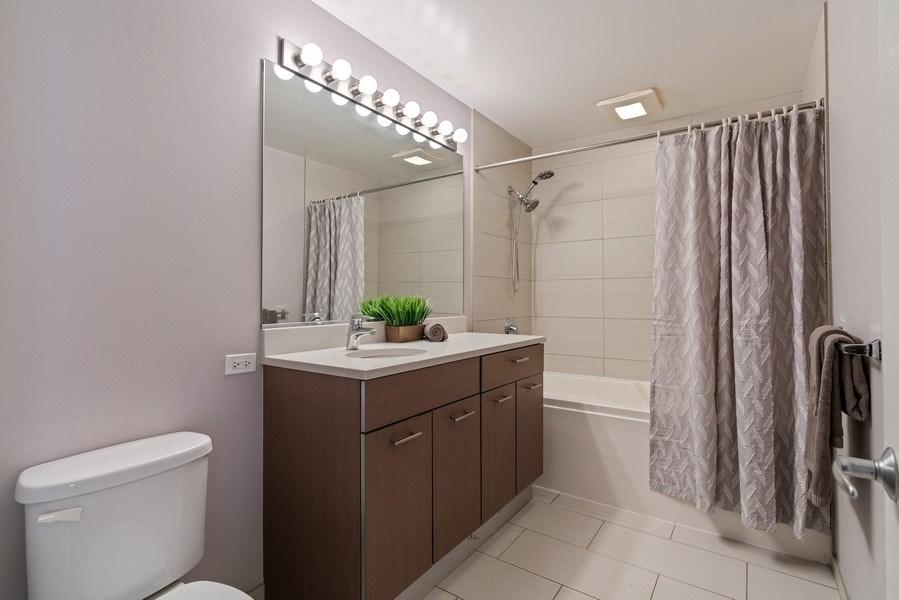Real Estate Photography - 659 W Randolph, Unit 920, Chicago, IL, 60661 - Master Bathroom