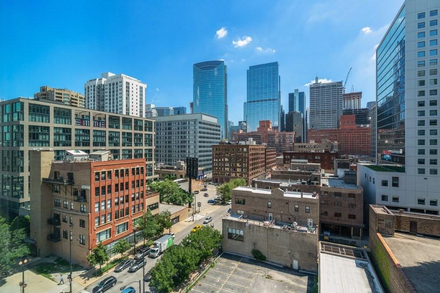 Real Estate Photography - 659 W Randolph, Unit 920, Chicago, IL, 60661 - View