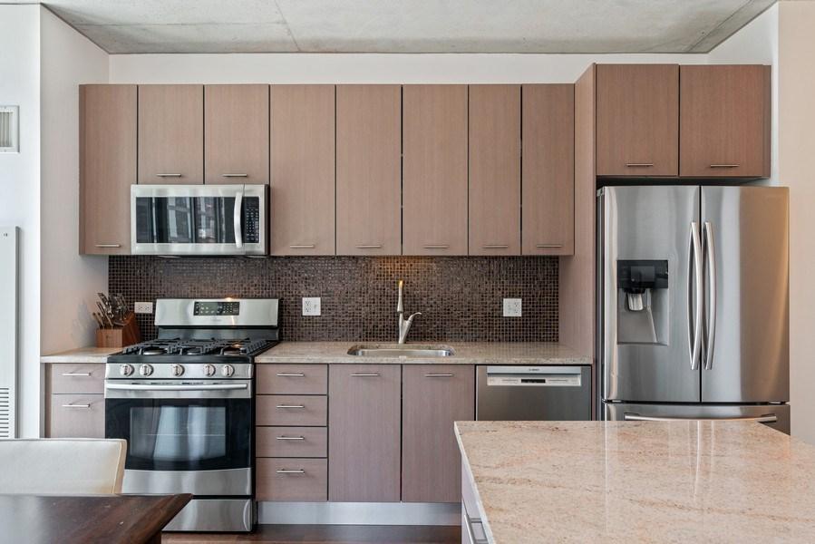 Real Estate Photography - 659 W Randolph, Unit 920, Chicago, IL, 60661 - Kitchen