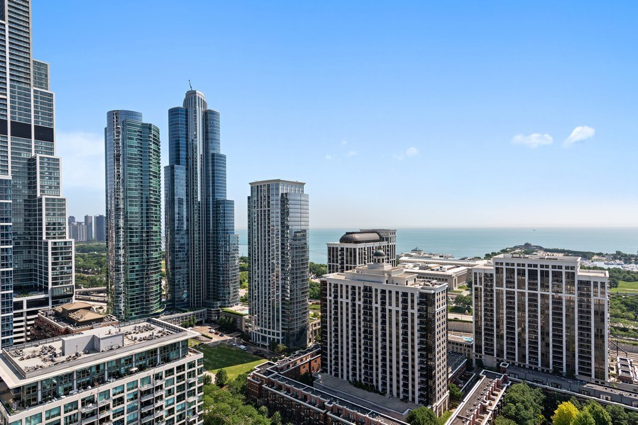 Real Estate Photography - 100 E 14th St, 2904, Chicago, IL, 60605 - View