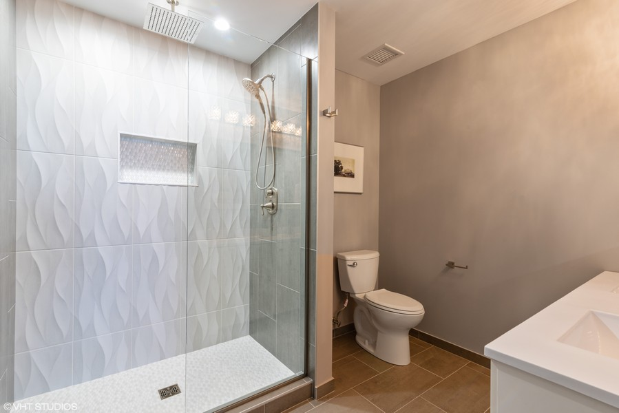 Real Estate Photography - 100 E 14th St, 2904, Chicago, IL, 60605 -