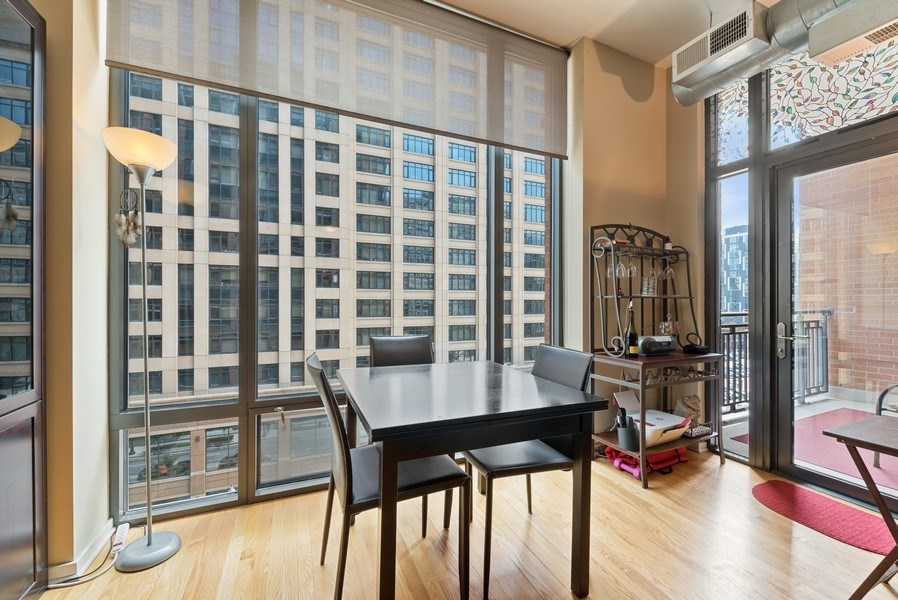 Real Estate Photography - 520 S State, Apt 602, Chicago, IL, 60605 - Dining Area