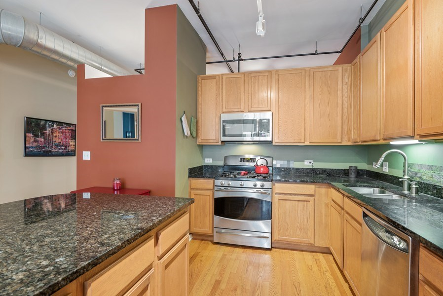 Real Estate Photography - 520 S State, Apt 602, Chicago, IL, 60605 - Kitchen